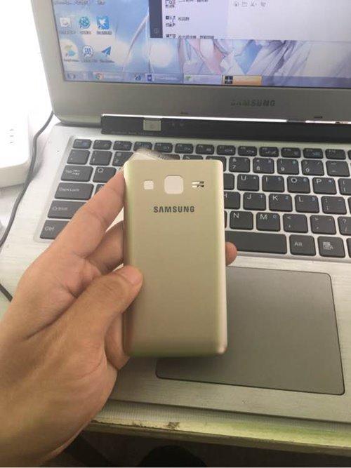 Galaxy Folder 2 -4