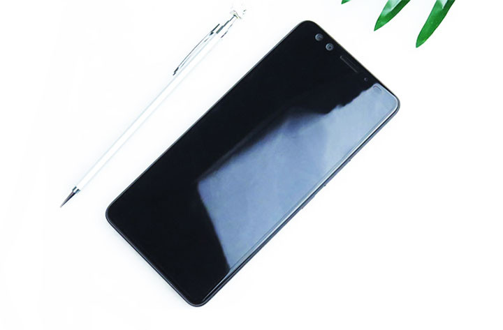 HTC U12+ Leaked Photo 1