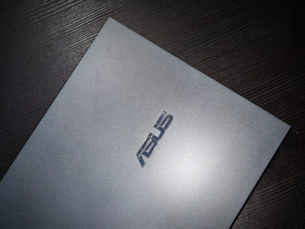 ASUS ZenBook 14 UltraBook External Design