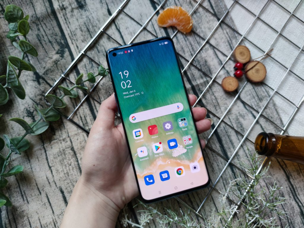 OPPO Find X3 Pro Front Design -3